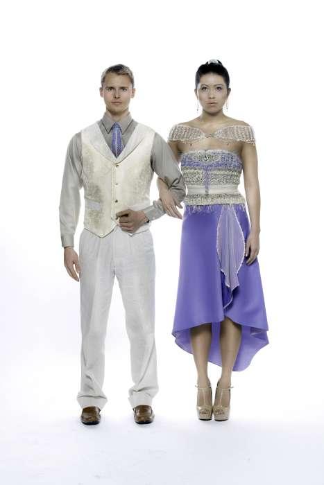 Coppia Couture in seta blu e lino con abbellimenti Swarovski.