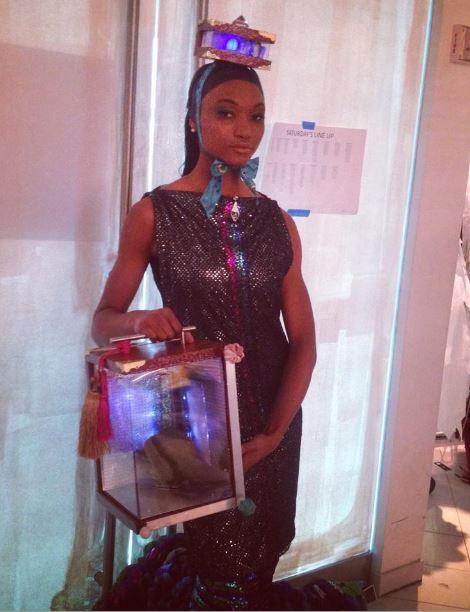 Backstage en Couture noche ATLC de Moda semanas Art Presentación.