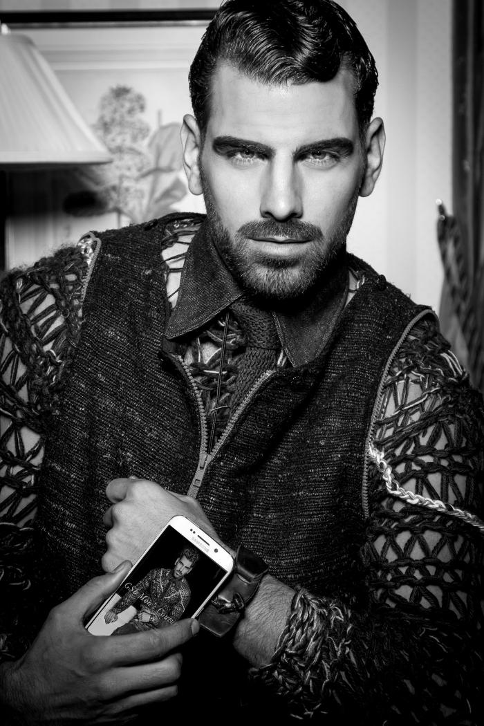 Nyle nei suoi uomini GSB Couture smartwears, a dimostrazione di quanto la tecnologia wearables è utilizzato per avviare e aiuto alla comunicazione e promozione attraverso jior carità couture.