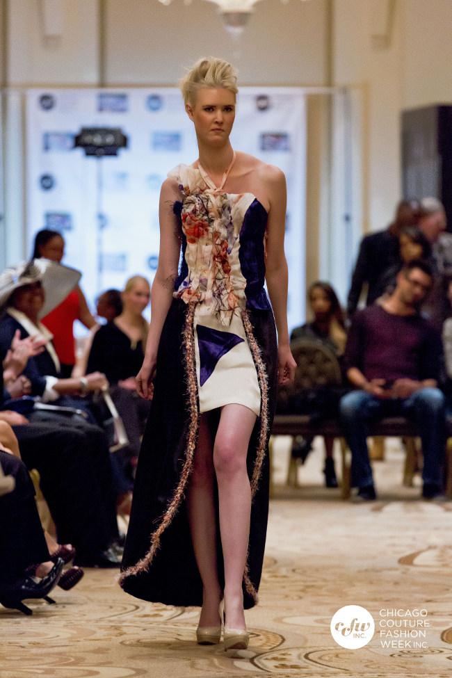 Il Silk Eco-Couture Abito canapa che è iniziato con un trattamento termale e tratta la pelle, come si indossa l'abito.