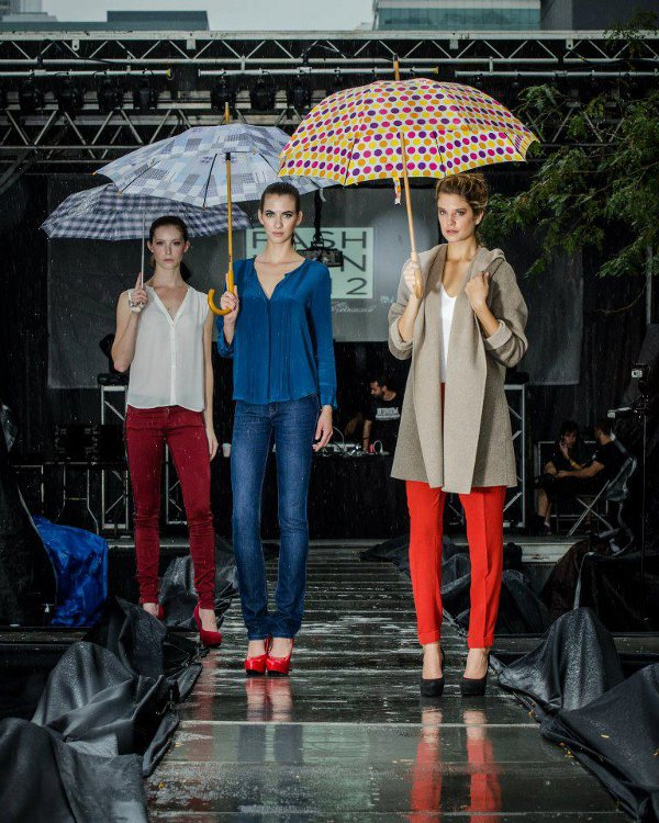 Rainy day for Fashion in the streets fest Chicago 2012.