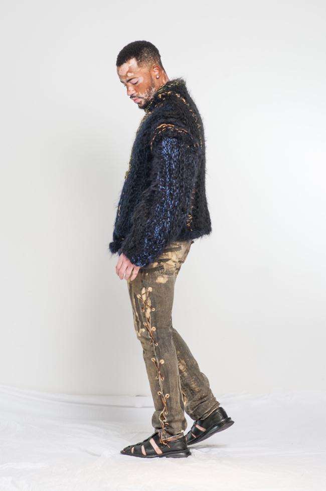 La lana de alpaca y abrigo de piel mano compasiva estilo de vida de punto de alta costura.