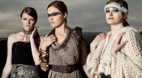 joyeria braceletas que funcionan como collares, banda de cabeza couture con cristales
