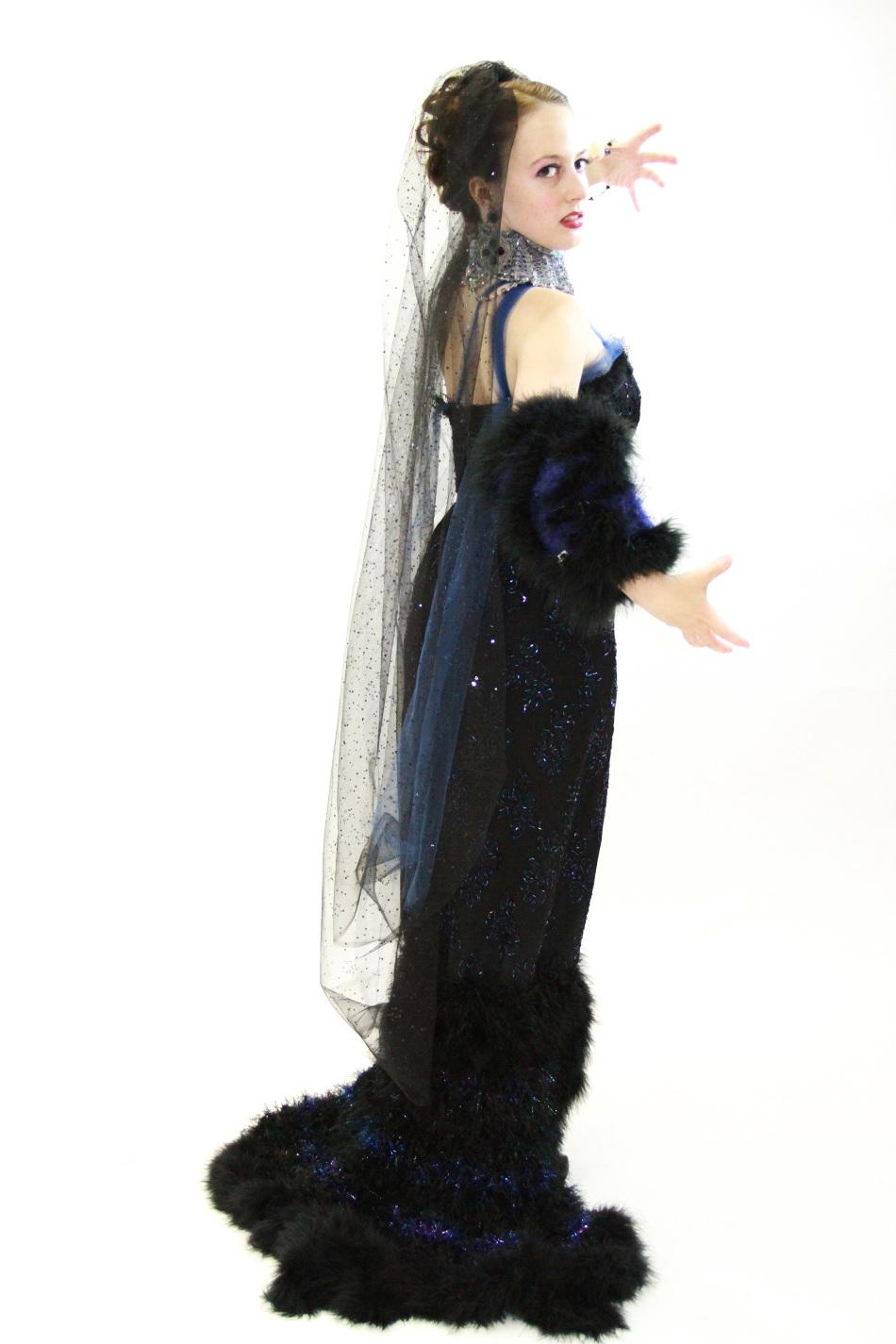 Cantante della Opera Holly Flack in j-na couture in il suo ruolo di