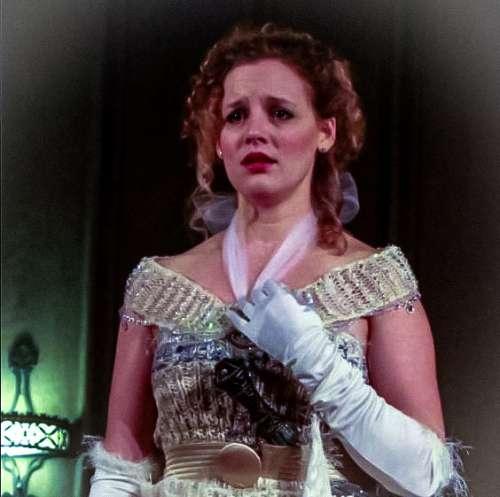 Opera Costumi e cristalli scintillanti sul palco con protagonista Flauto Magico a Chicago.