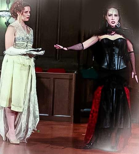 La reina de la noche en el Magic Flute al mando de la princesa de asesinar a su trama principal.