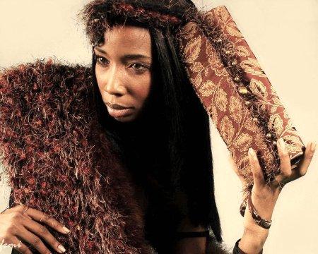 borsa di haute couture clutch in pelliccia faux con pelras