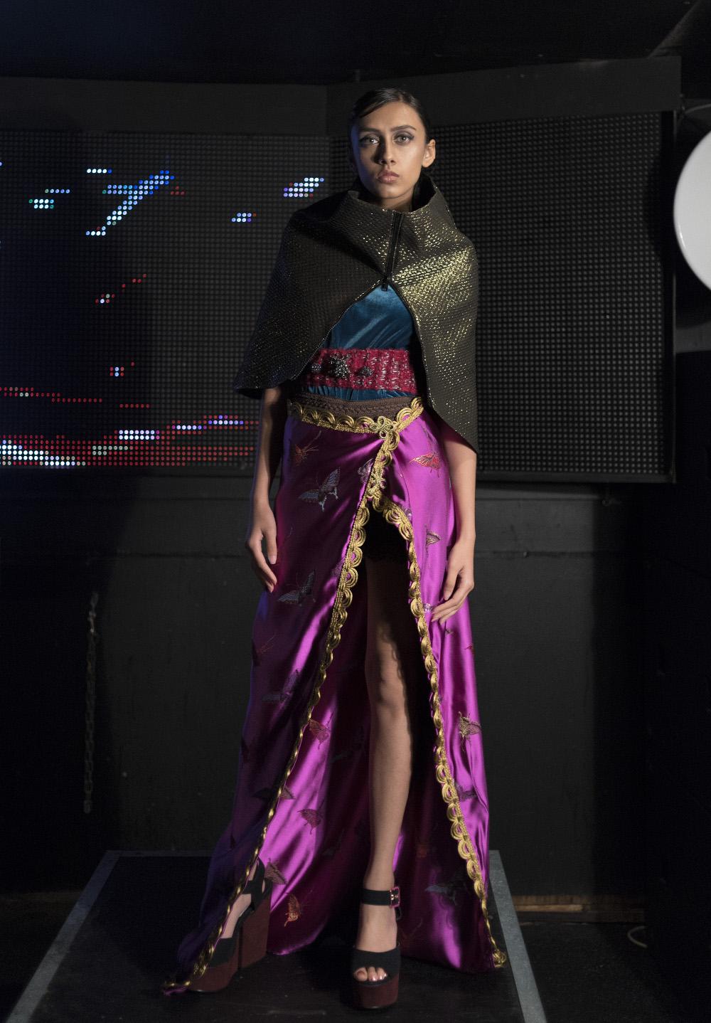 J-na Couture East se encuentra con la designación oeste.